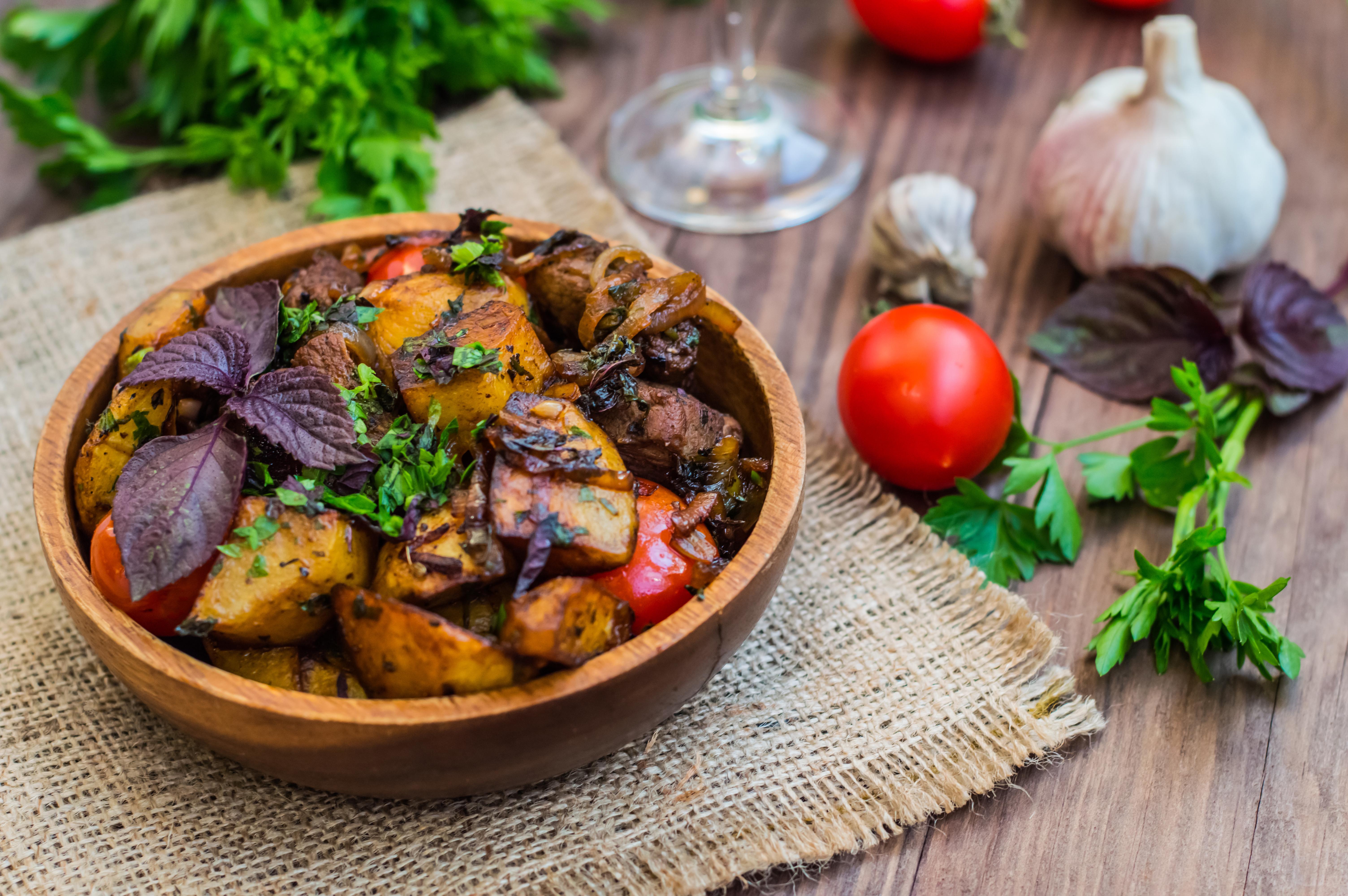 Оджахури из свинины с картофелем