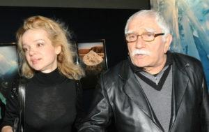 Фото Армен Джигарханян подал на развод с молодой женой