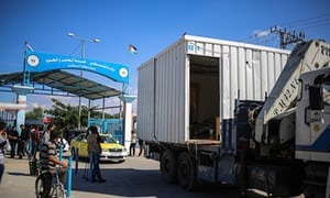 Hamas hands control of Gaza crossings to Palestinian Authority