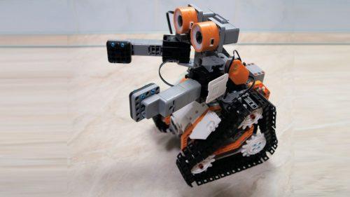 Фото Конструктор UBTech Robotics: мечтай, учись, твори с роботом