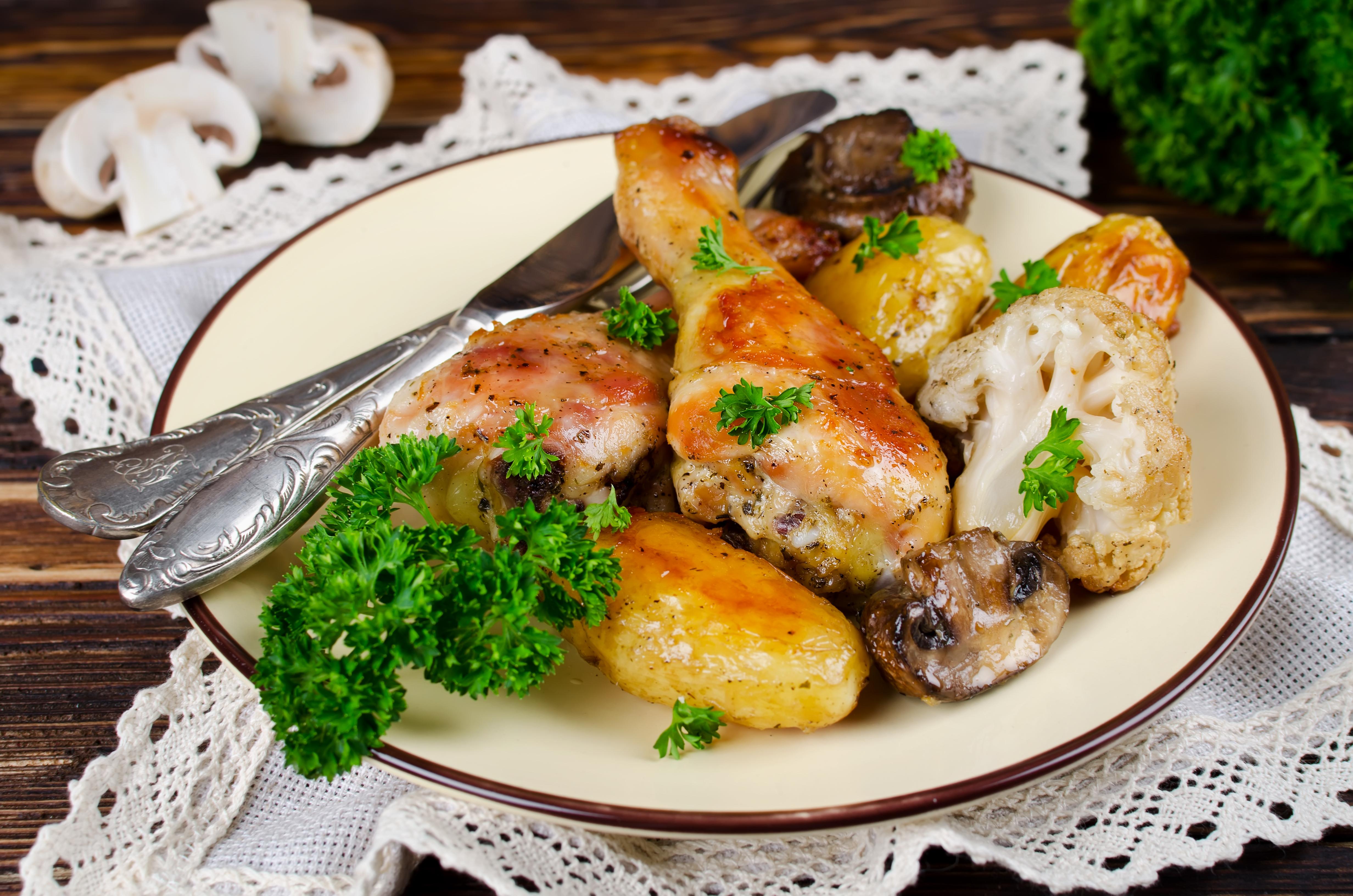 Куриные ножки с грибами и овощами в рукаве