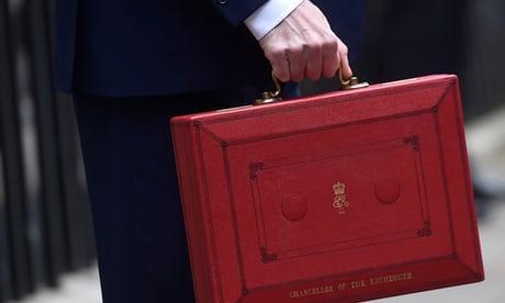 Photo of Widening UK budget deficit hands Hammond a headache