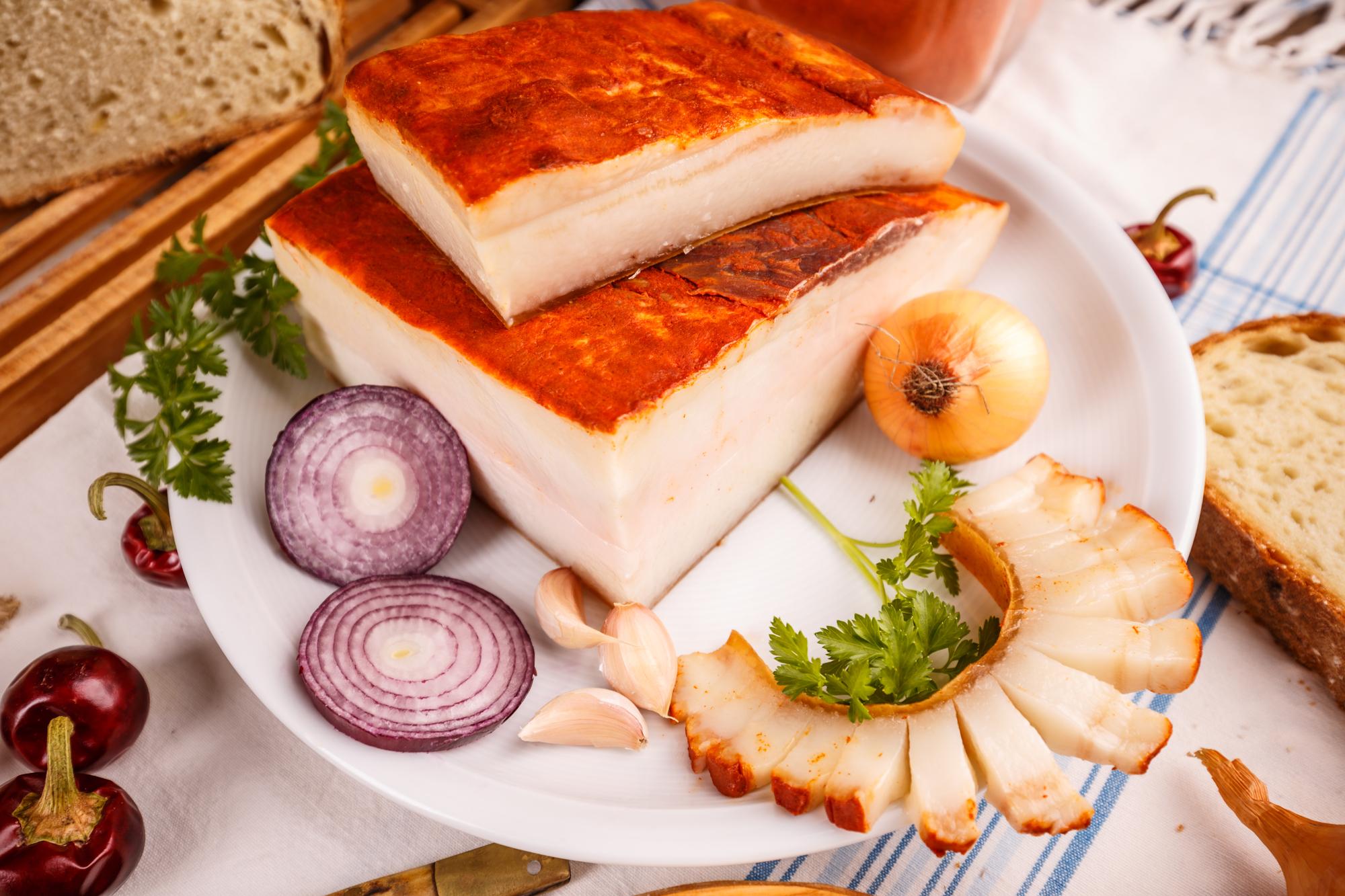 Шпик (сало) по-венгерски