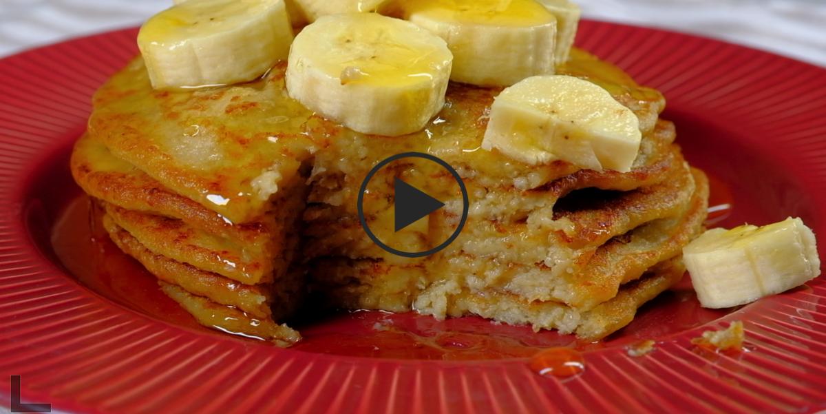 ВИДЕО-РЕЦЕПТ: Овсяные оладьи с бананами