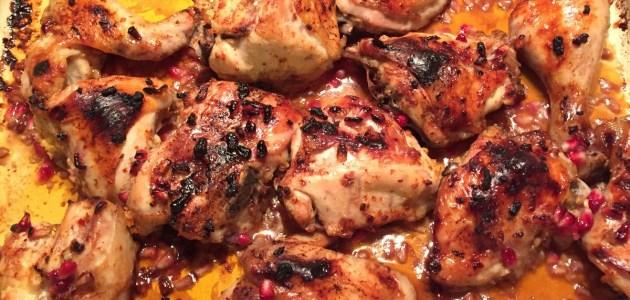 Фото Запеченная курица в маринаде из хариссы и граната