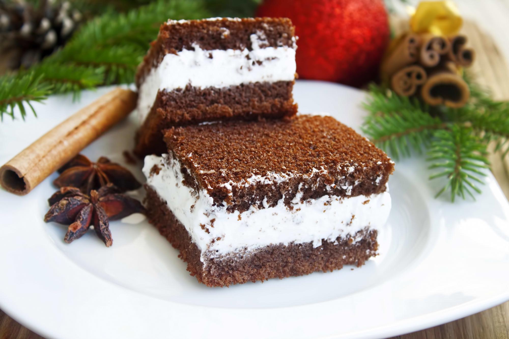 Бисквитное пирожное с кокосовым кремом