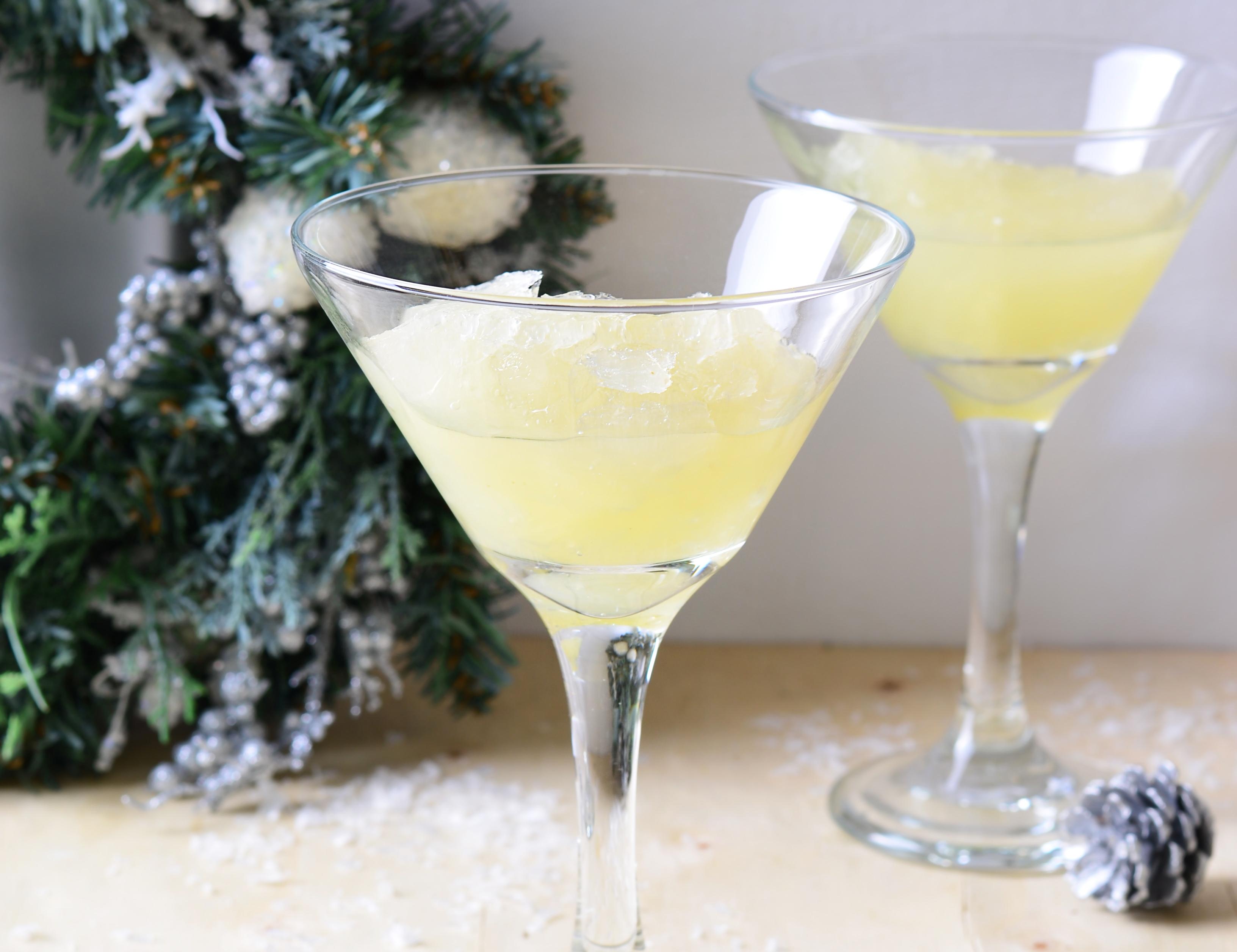 Коктейль «Северное сияние» для новогодней вечеринки