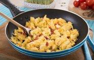 Лайфхак: Неожиданный ингредиент для вкусной яичницы, который поможет даже тем, у кого с готовкой не складывается