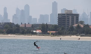 Hot weather has Victoria and South Australia sweltering