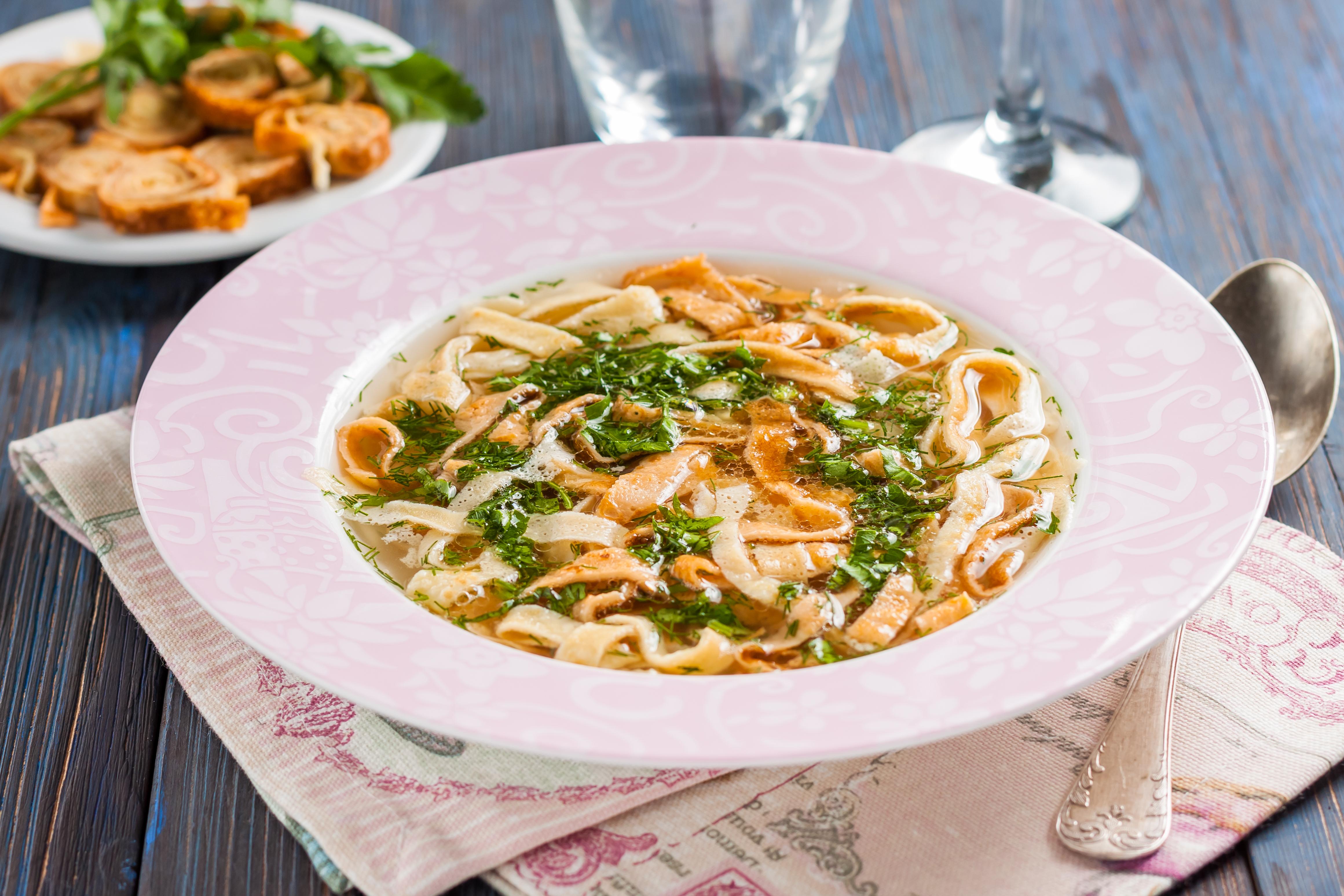 Австрийский суп с блинами – фритатенсуппе
