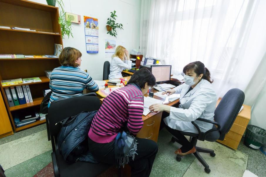 Фото Больше 70 южноуральских врачей получат миллион за переезд в небольшие города и сёла