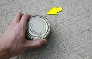 Лайфхак: Как вскрыть банку консервов без ножа и открывалки: проверенный армейский метод