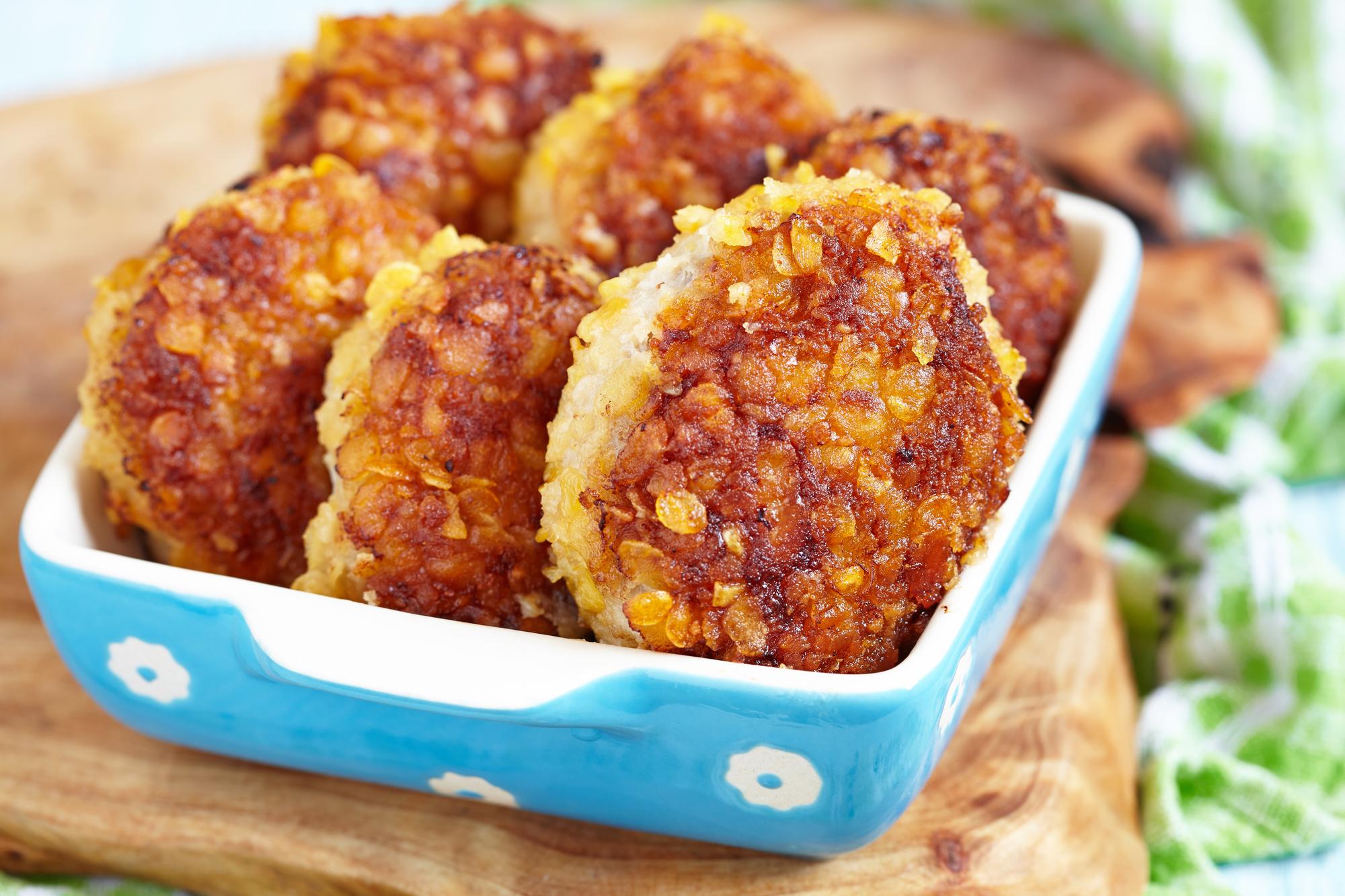 Куриные котлеты с сырной начинкой