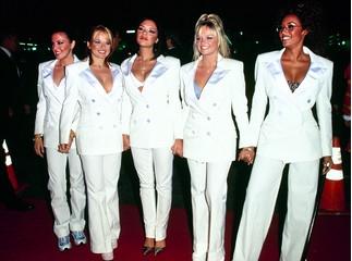 Фото Слухи подтвердились: Spice Girls выступят на свадьбе принца Гарри и Меган Маркл