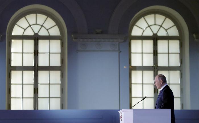 Фото Обещаю обещать. Что не сходится в экономической части обращения Путина