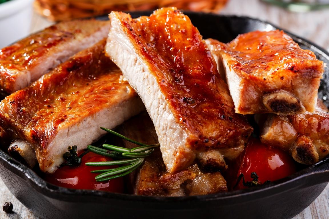 Вкуснейшие запеченные свиные рёбрышки