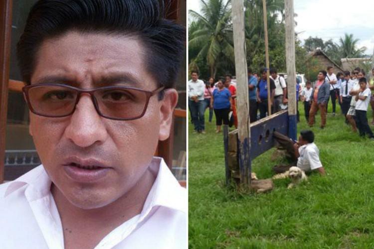 Горожане заковали мэра в колодки из-за недовольства его работой