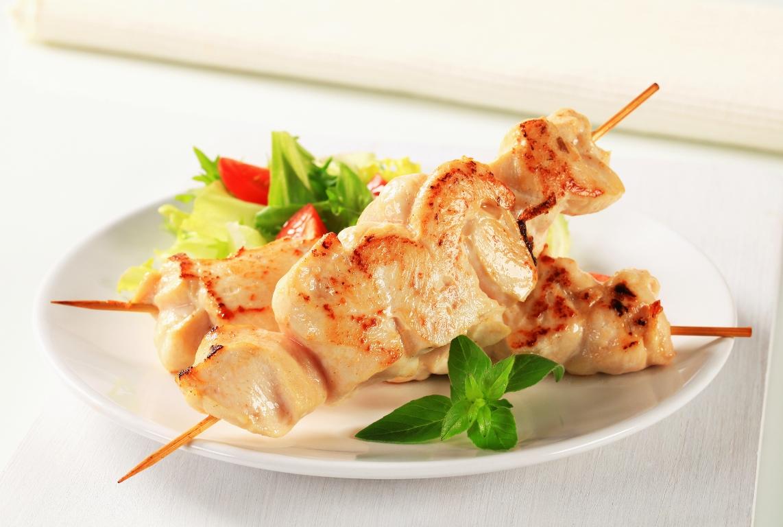 Аппетитный шашлык из курицы в духовке