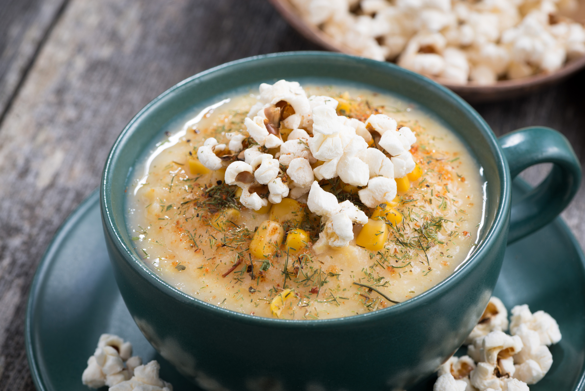 Крем-суп с кукурузой и попкорном