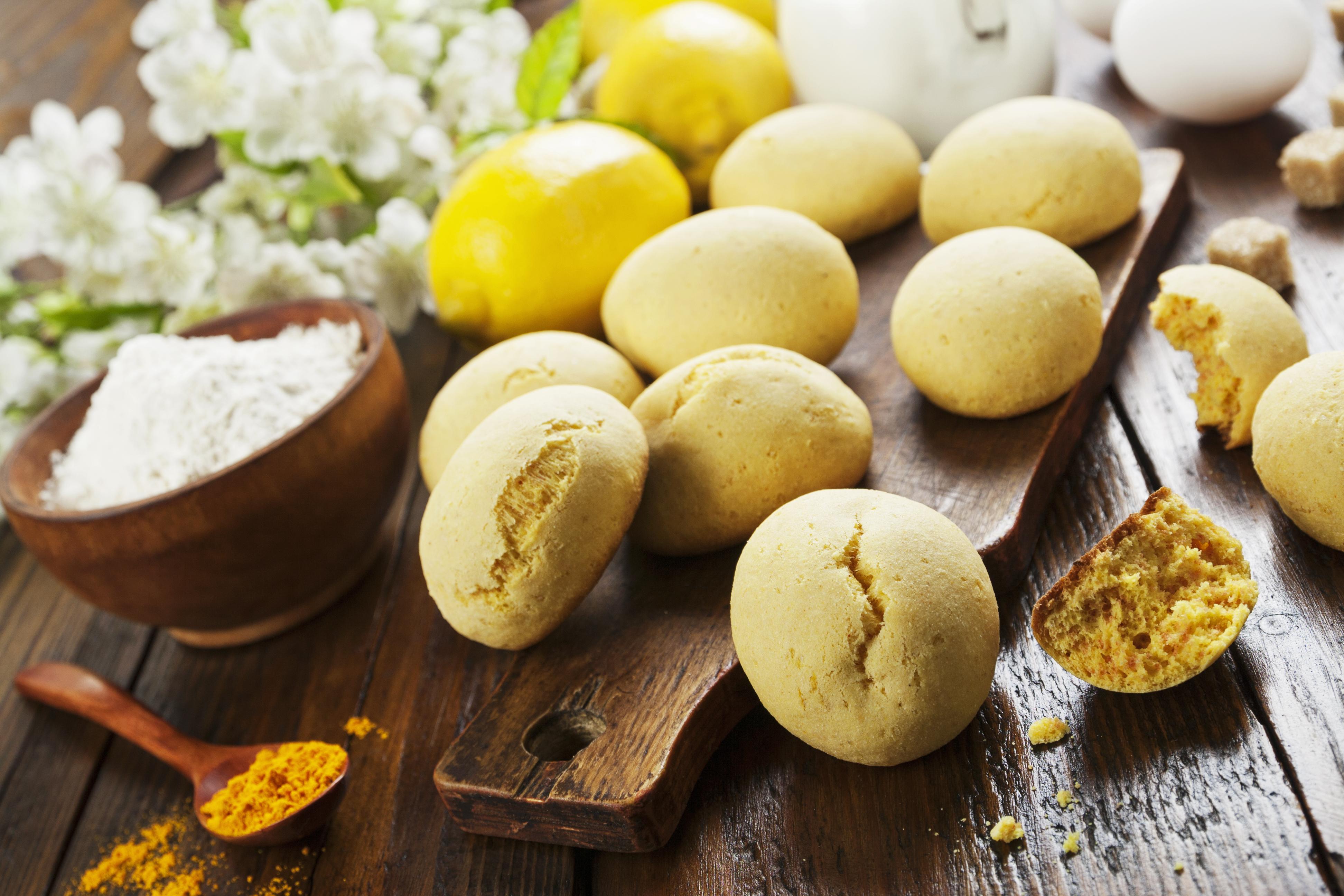 Лимонное печенье с куркумой
