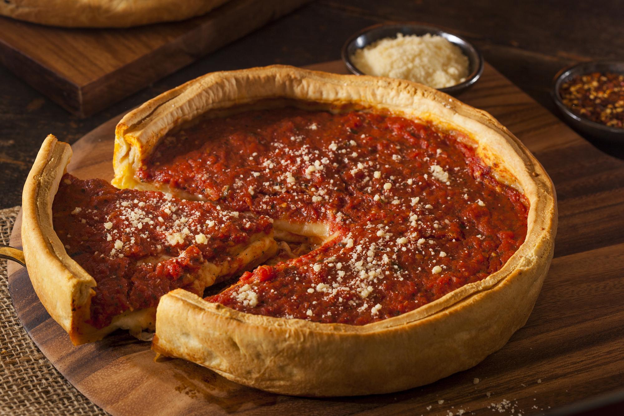 Невероятно вкусная пицца по-чикагски в домашних условиях