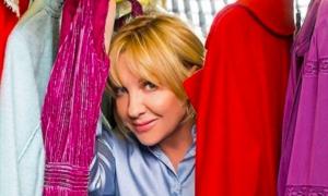 Елена Яковлева показала, как блондинкам носить голубой цвет
