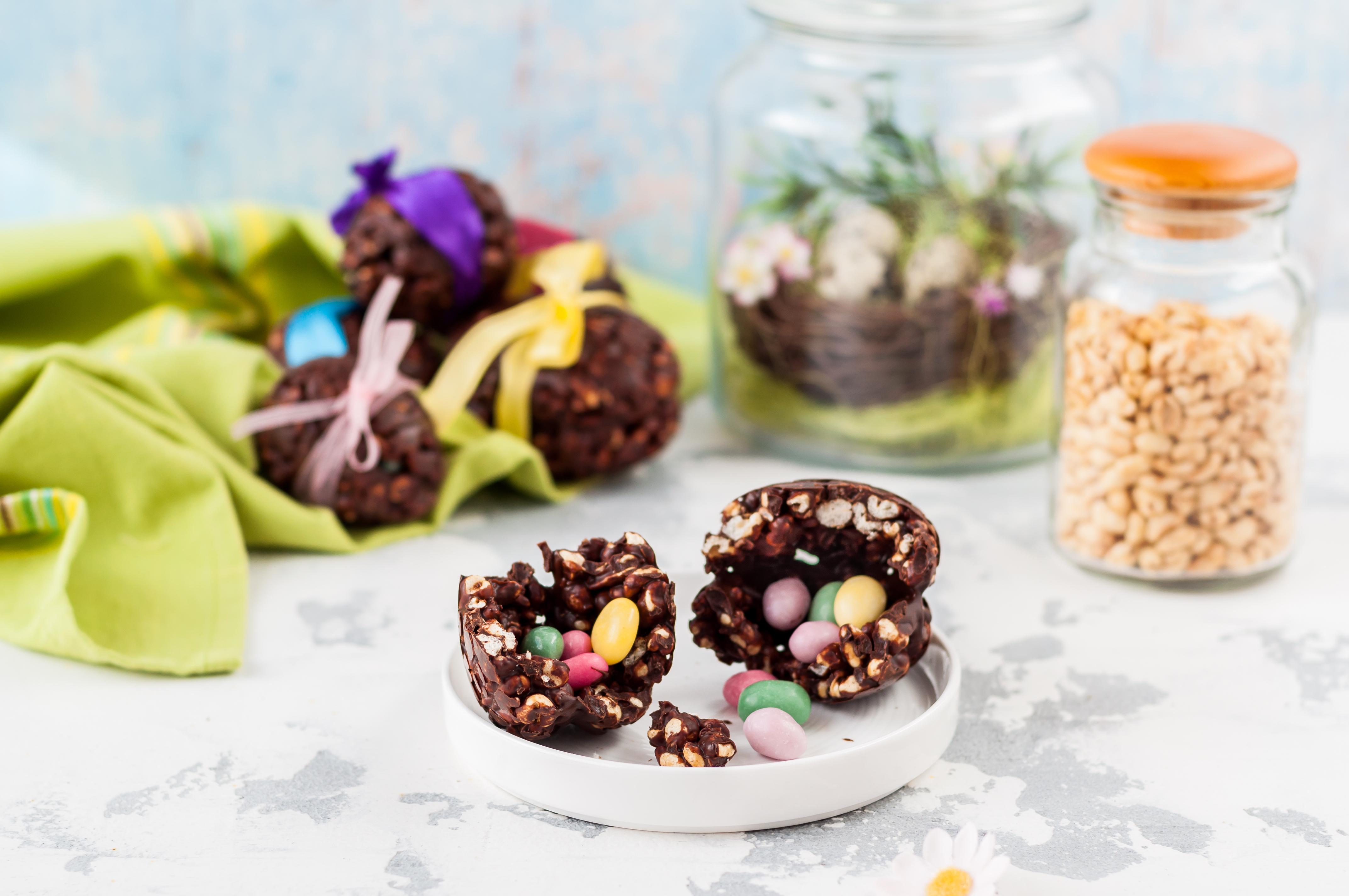 Шоколадные яйца с начинкой-сюрпризом
