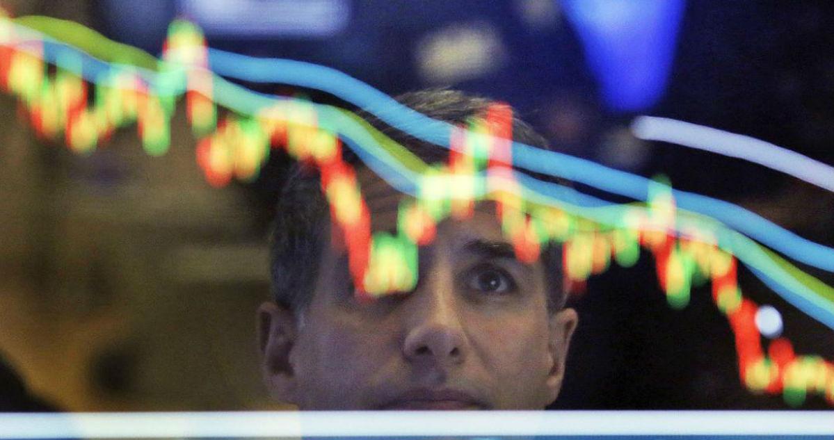 Не только олигархи. Чем новые санкции США грозят рублю и простым россиянам