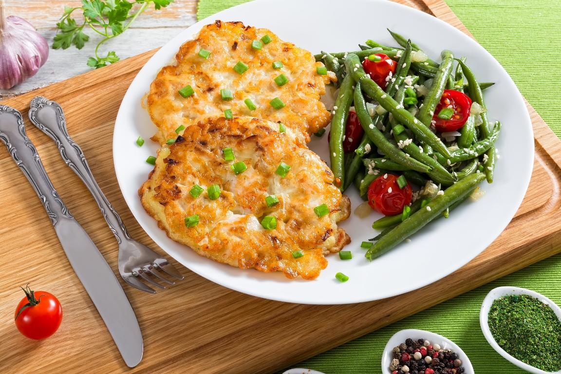 Аппетитные рубленые куриные котлетки с сыром