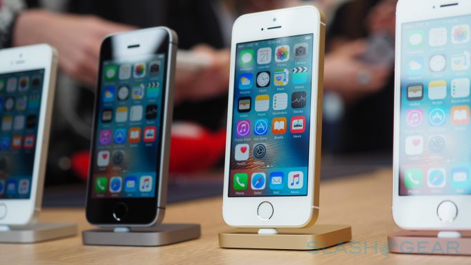 Photo of iPhone SE 2 release might be just around the corner