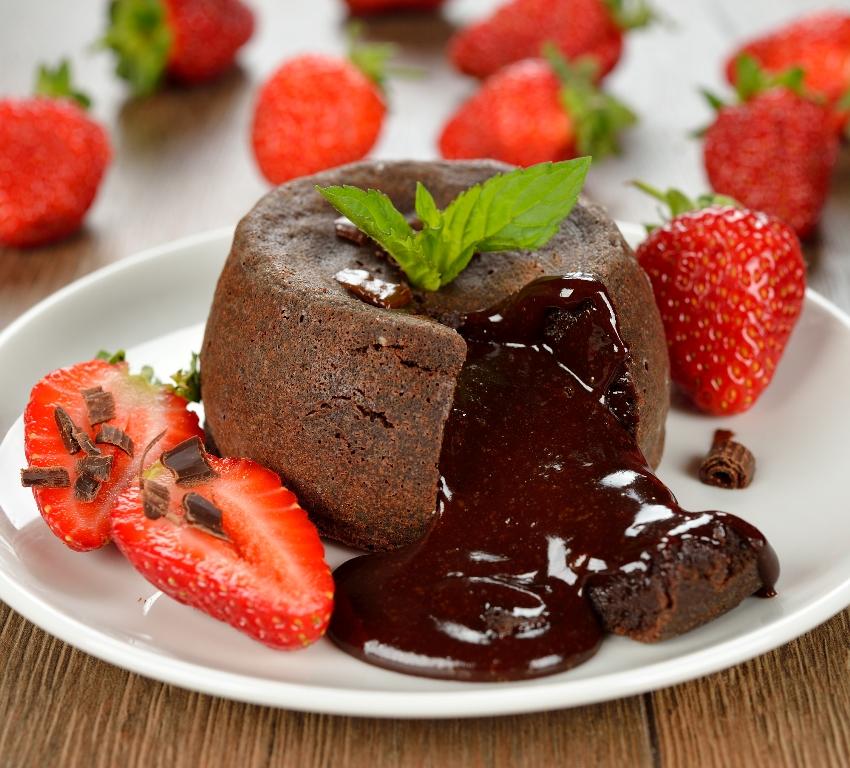 Изумительные шоколадные кексы с жидкой начинкой