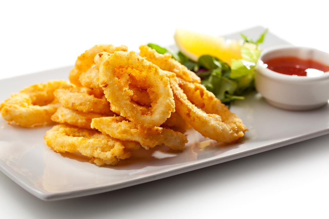 Аппетитные кальмары в хрустящем кляре