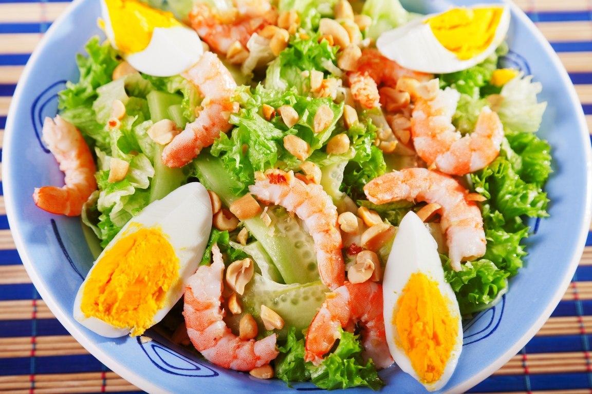 Изумительно вкусный салат с креветками