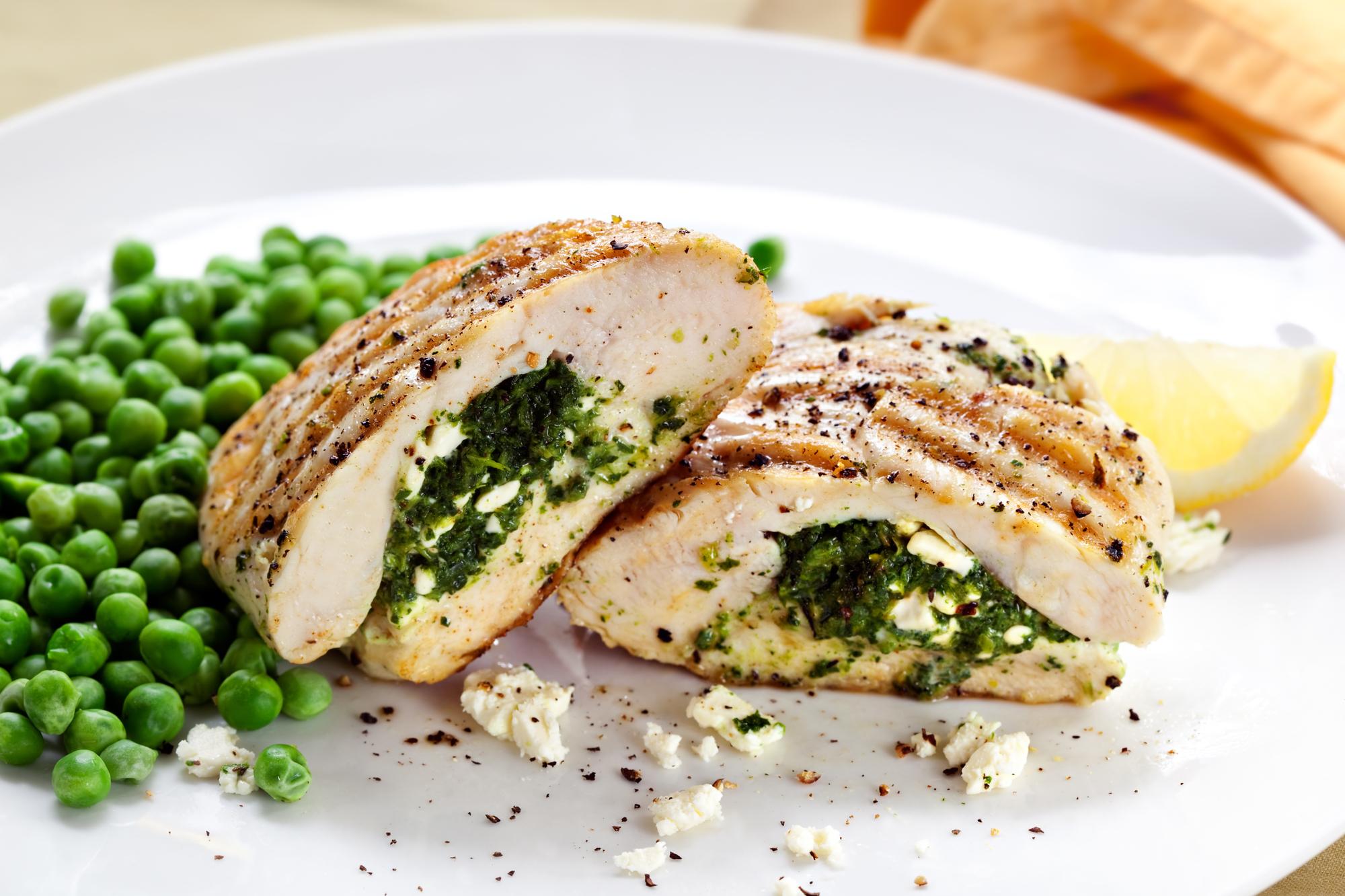 Куриная грудка, фаршированная сыром и зеленью