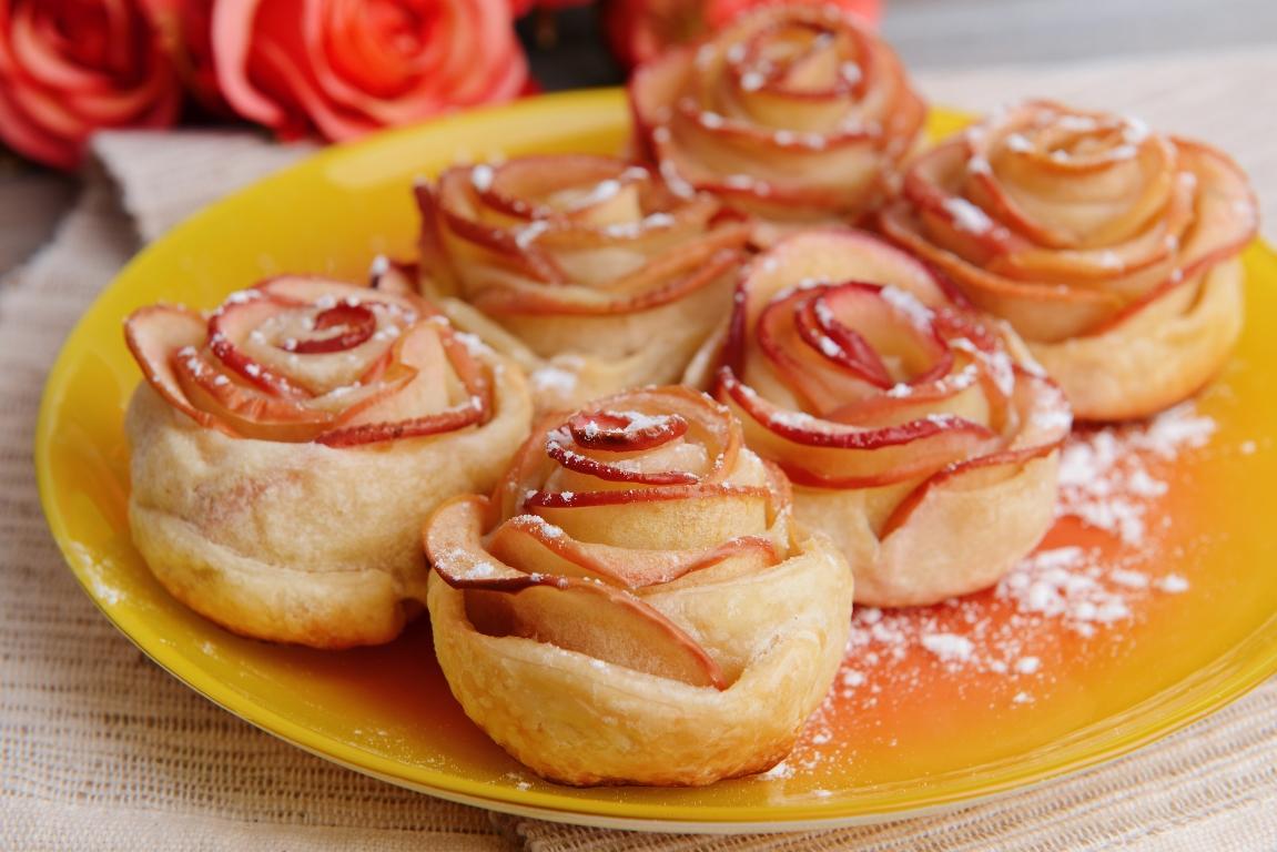 """Изящные яблочные слойки """"Розочки"""""""