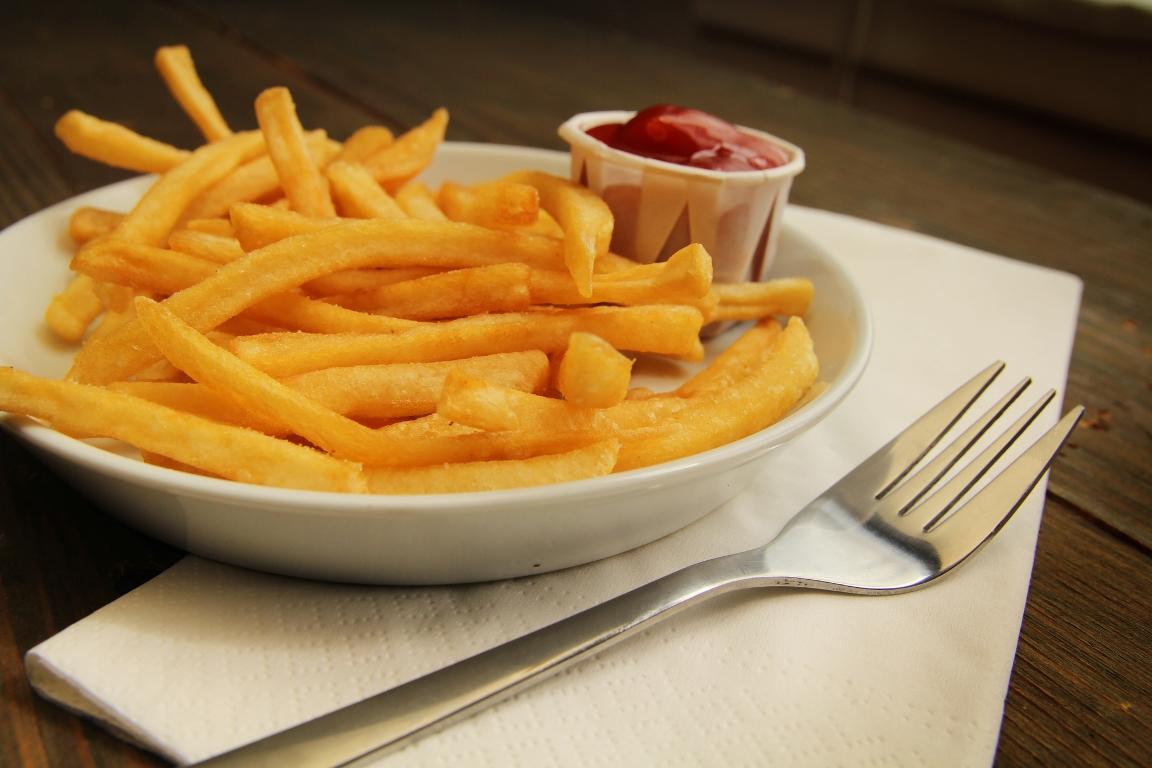 Вкуснейший домашний картофель фри в духовке