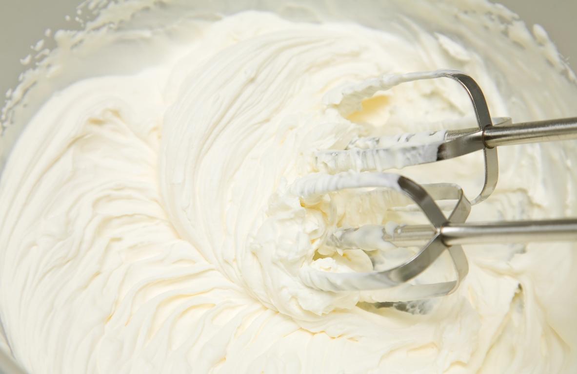 Быстрый сливочный крем для домашней выпечки