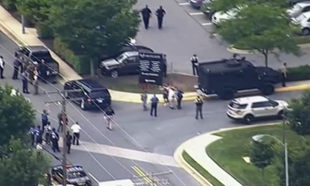 Photo of 5 Dead, Others Injured at Maryland Newspaper; Alleged Shooter in Custody: Report [Updated]