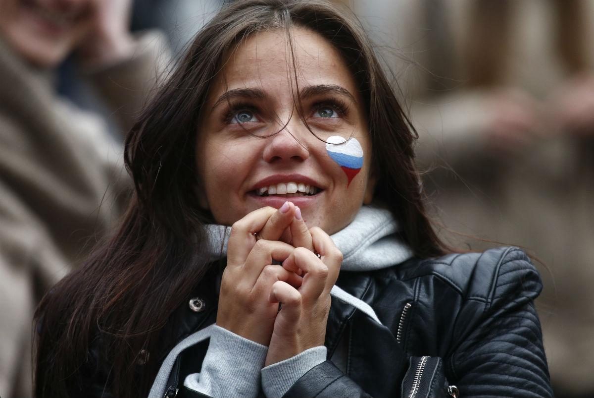 Российские болельщики во время матча Россия-Испания (ФОТО)