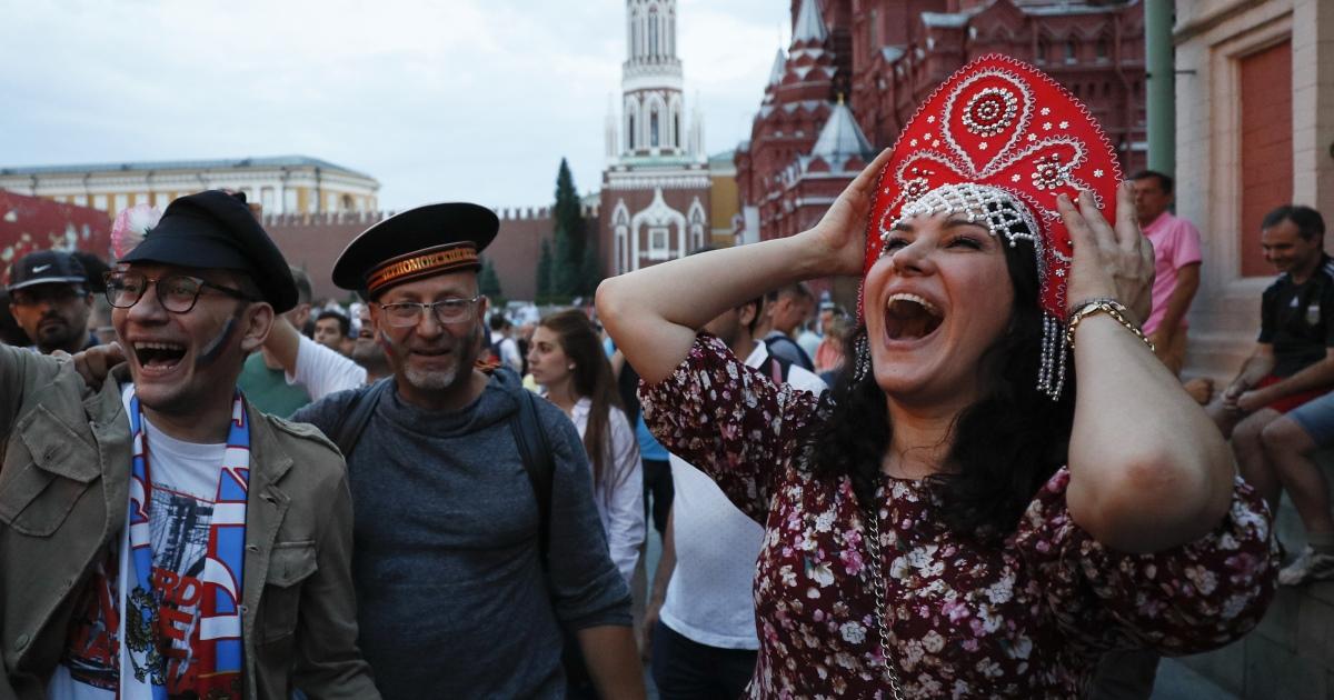 Что творилось на улицах после победы над Испанией (ФОТО и ВИДЕО)