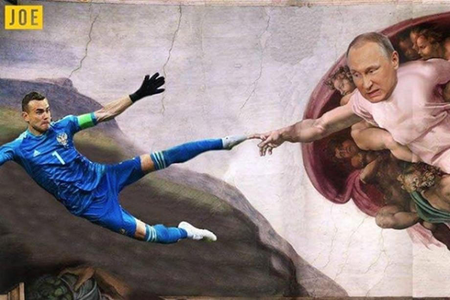 """Фото """"Нога бога"""". Как Акинфеев стал главным героем мемов"""