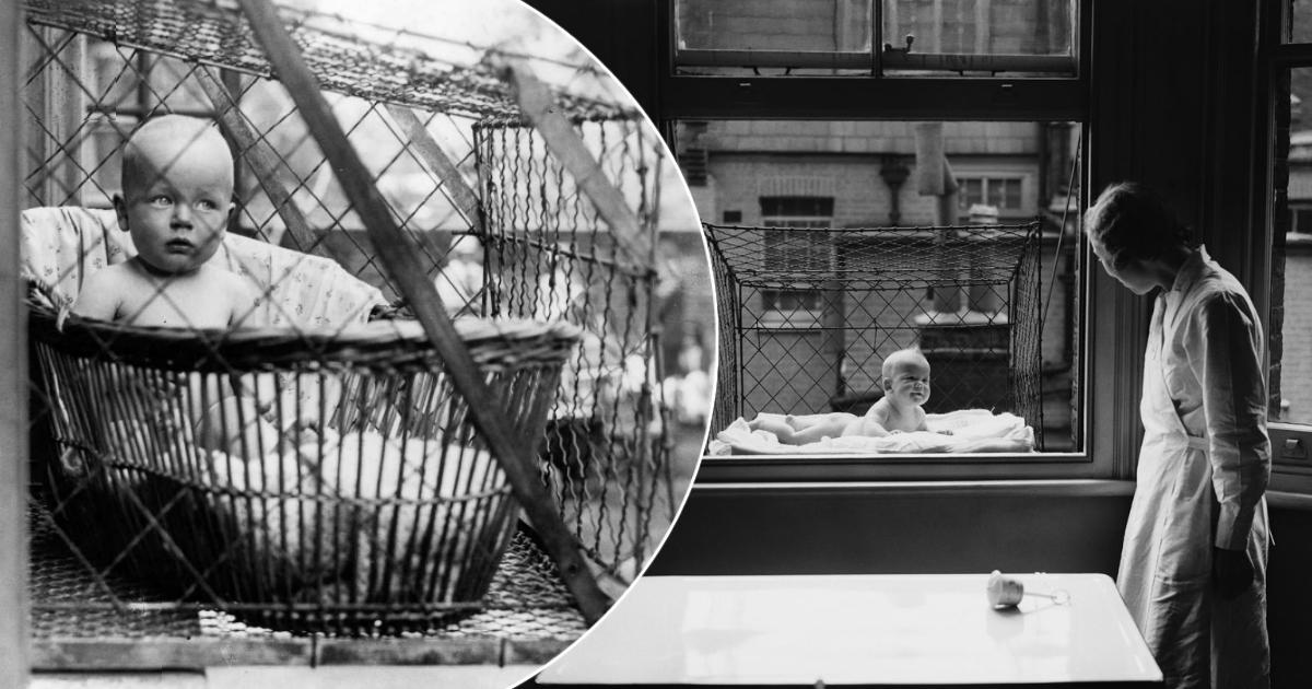 Фото Особенности воспитания, или зачем в XX веке детей сажали в клетки