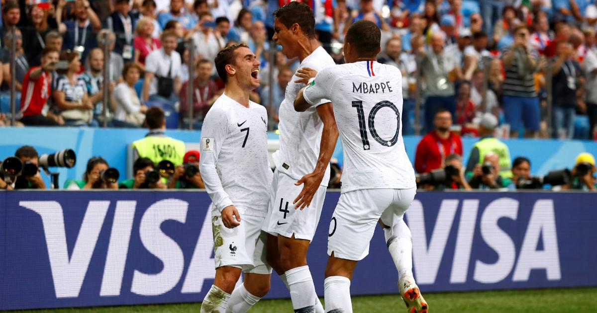 Сборная Франции обыграла Уругвай и стала первым полуфиналистом ЧМ-2018