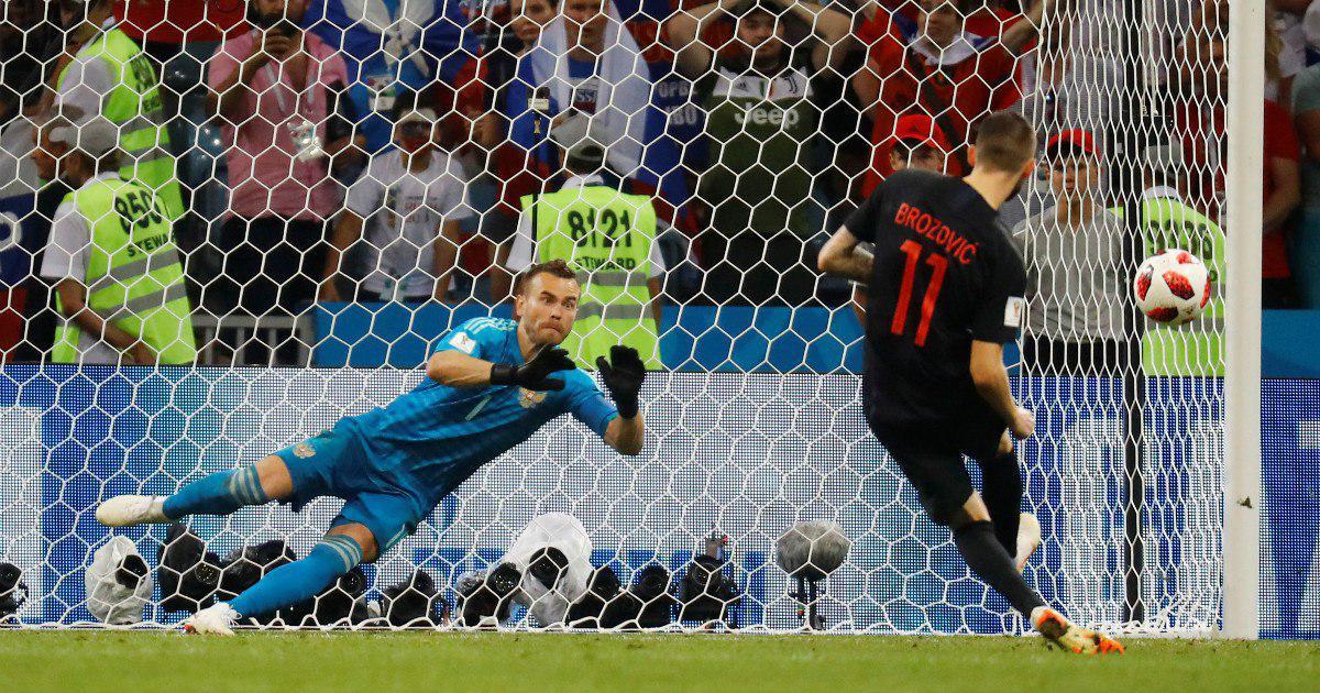 Фото Бились до конца. Сборная России по футболу вылетела с домашнего ЧМ
