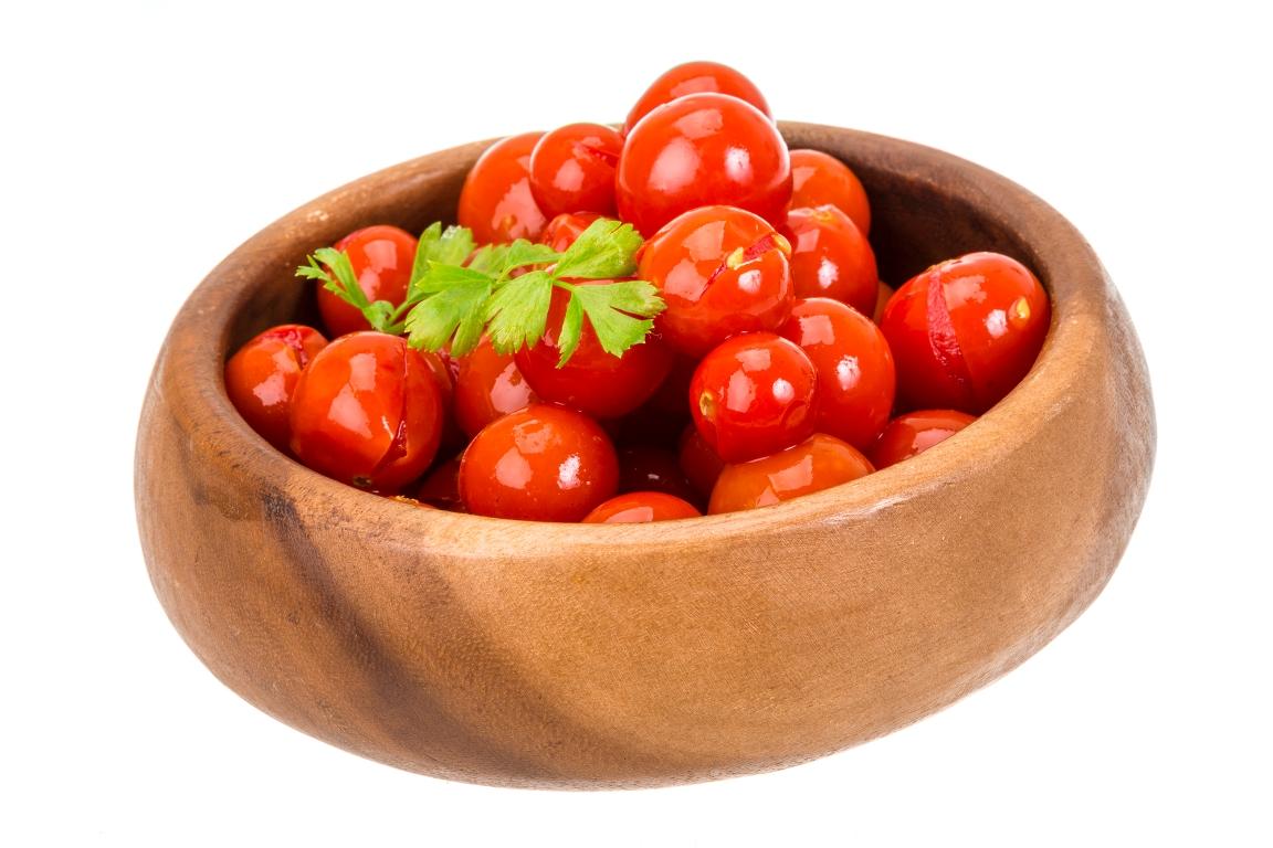Малосольные помидоры черри в пакете