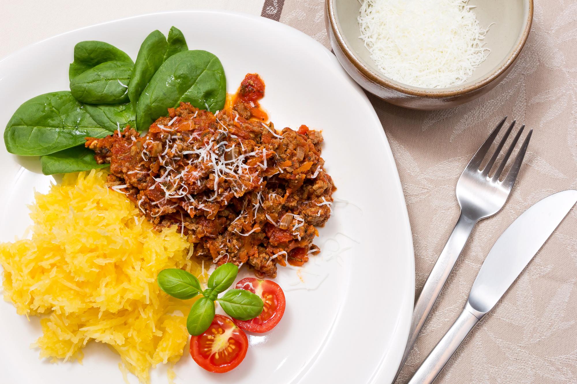 Спагетти сквош с томатным соусом по-итальянски