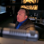 Photo of Facebook and YouTube Give Alex Jones a Wrist Slap