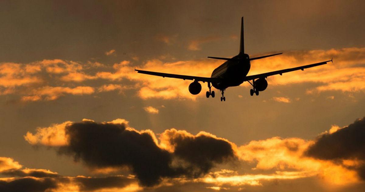 """Фото Тариф """"Сидим дома"""". Почему грозят взлететь цены на авиабилеты по России"""