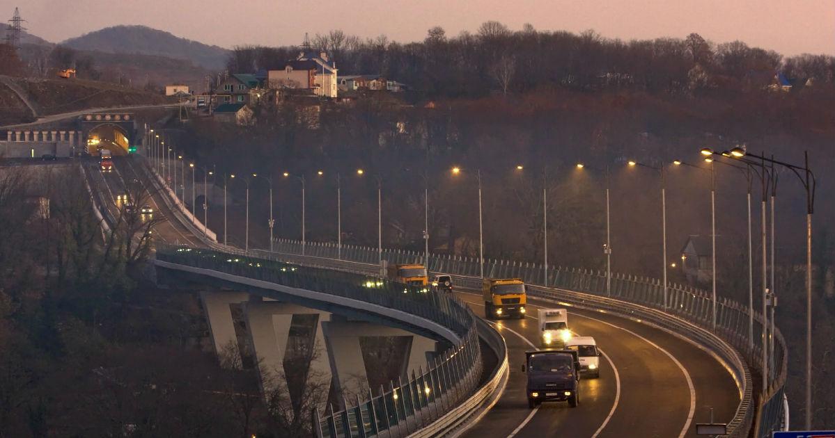 10 миллиардов за км. В России собрались строить «бриллиантовую» дорогу