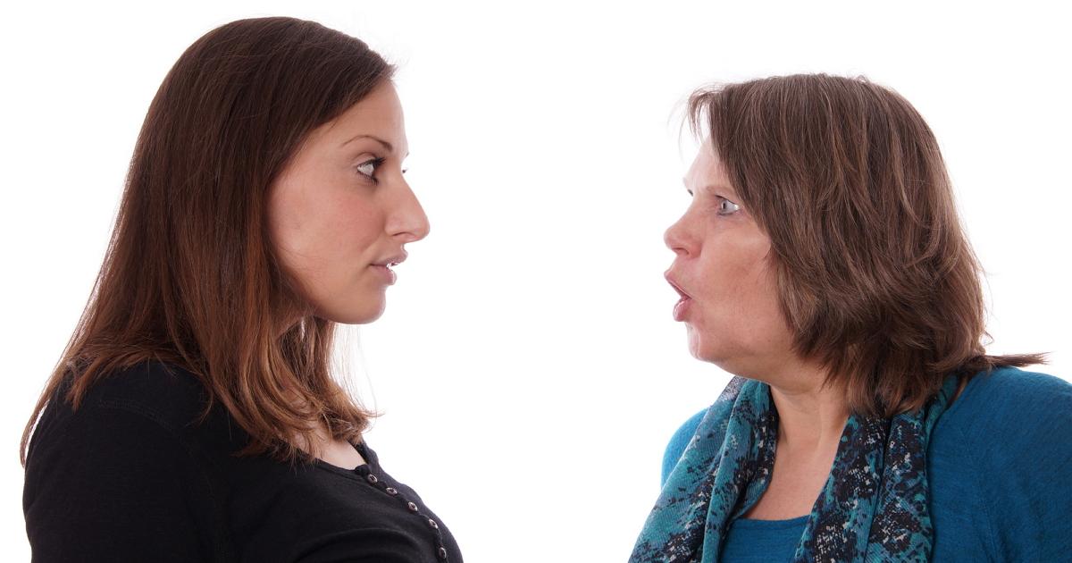 «Спасибо, что позвонила». 10 признаков нездоровых отношений с родителями